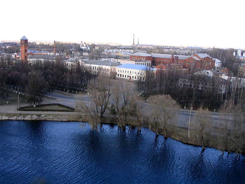 Мемориальный одиночный комплекс с крестом Завитинск